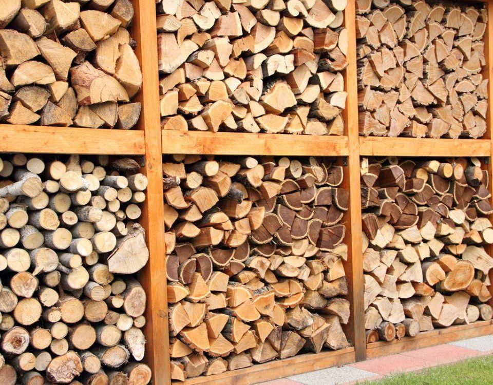 Drewno do palenia w kominku Warszawa drewno kominkowe Nadarzyn drewno kominkowe z transportem
